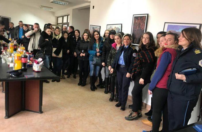 Te femra kosoves me njoftime Arbanë Qeriqi