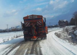 Pas reshjeve të borës, të gjitha rrugët në Gjilan janë të hapura dhe kalueshme