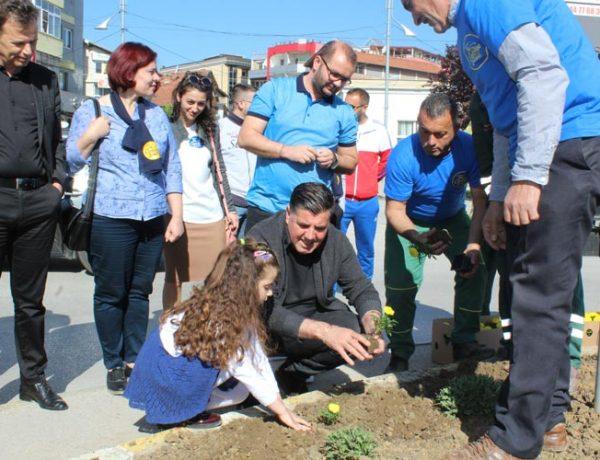 Me mbjelljen e luleve, Gjilani shënon Ditën Ndërkombëtare të Tokës