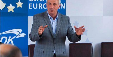 Qytetarët: Qemajl Mustafa është Real Madridi i politikanëve të Anamoravës