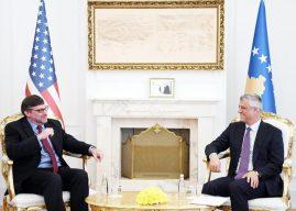 Thaçi priti zëvendës-ndihmës sekretarin e shtetit amerikan Palmer: SHBA-ja mbështet dialogun Kosovë-Serbi