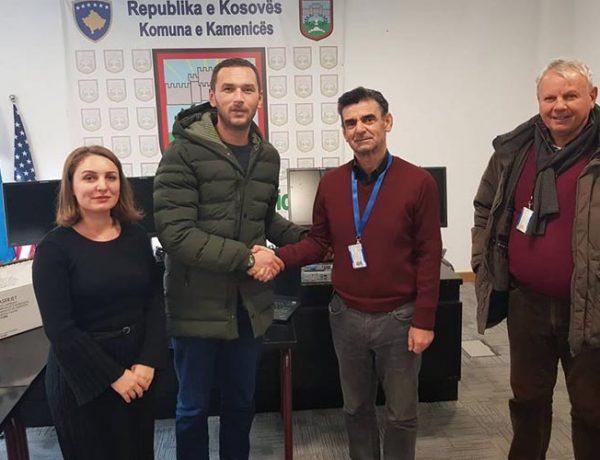 Komuna e Kamenicës pranon donacion nga UNMIK-u