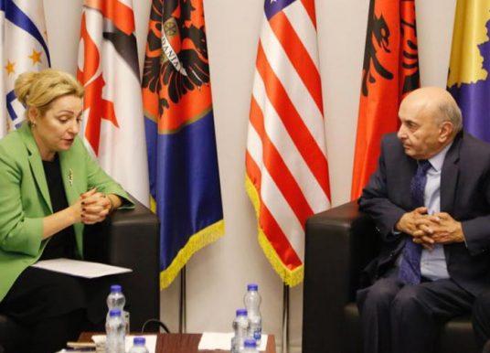 Mustafa e Apostolova bisedojnë për përbërjen e Qeverisë së re