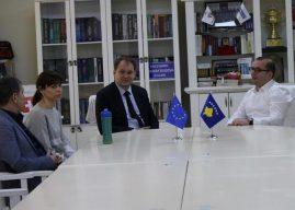 Ismajli pret në takim shefin e Zyrës Ndërlidhës së Sllovakisë
