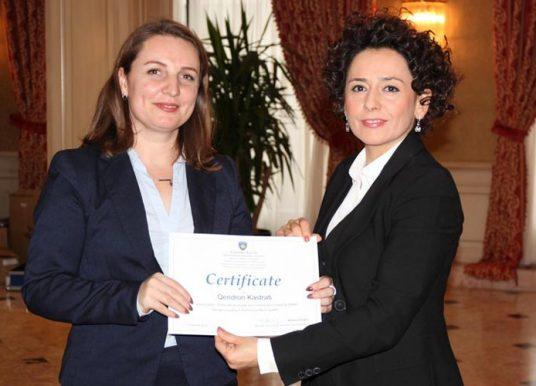 Kamenica shpërblehet për përfaqësim gjinor në nivel lokal