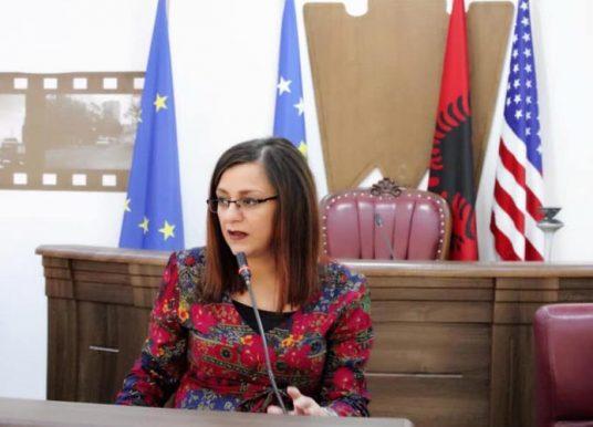 Kurteshi-Emini: Diskutimi për lokacionin e varrezave është çështje e mbyllur në Kuvend