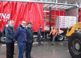 """Komuna e Gjilanit pranon 10 mijë kilogramë miell nga shoqata """"Firdeus"""""""