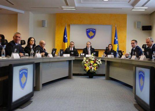 Kryeministri Hoti prezanton programin qeverisës