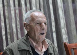 Karaqeva kërkon nga krerët e shtetit që ta vizitojnë këtë fshat kufitar
