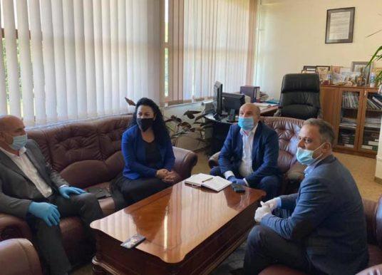 Deputetja Bunjaku viziton komunën e Artanës, ofron përkrahje në realizimin e kërkesave