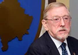 Walker i zhgënjyer nga veprimi i Speciales, thotë të hetohet për Vuçiqin