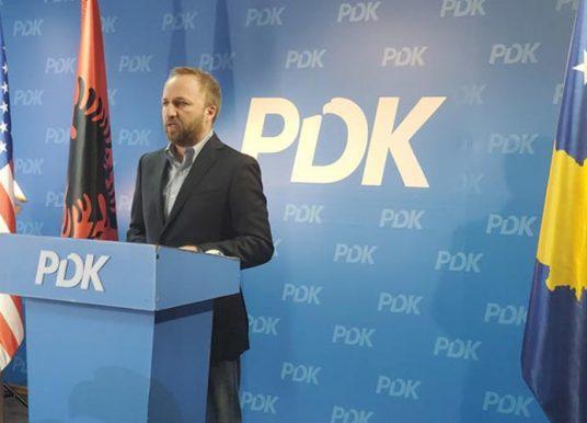 Deputeti i PDK-së: Kryeministri Hoti përmes shuarjes së task-forcës po inkurajon krimin qeveritar