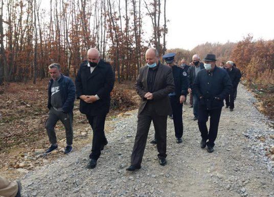 Komuna e Vitisë rehabiliton rrugën që lidh fshatrat Vërban e Begracë