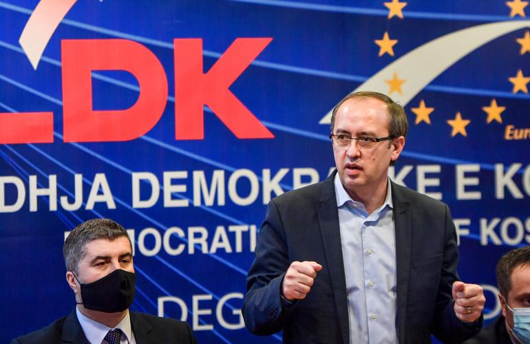 Shteti shtet   Hoti zbulon sloganin e LDK së