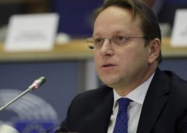 Varhelyi kërkon angazhim në dialogun Kosovë-Serbi – pë vizat thotë se janë përmbushur të gjitha kushtet e kërkuara